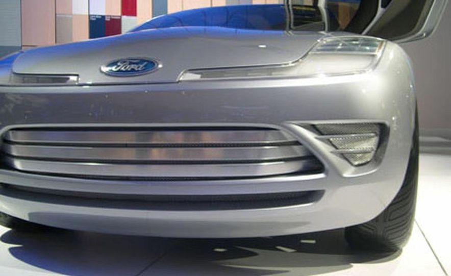 Ford Reflex Concept - Slide 19
