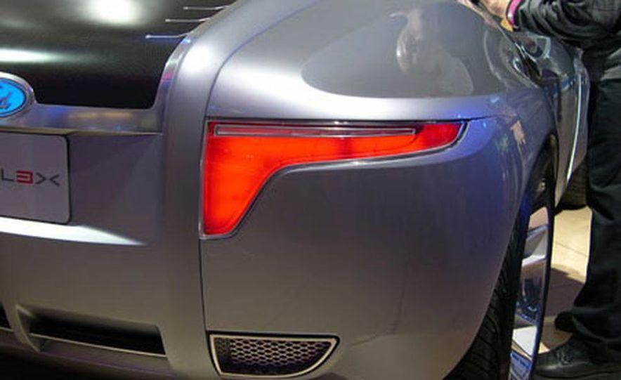 Ford Reflex Concept - Slide 24
