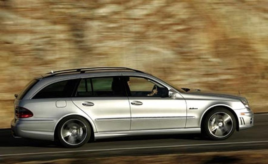 2007 Mercedes-Benz E63 AMG - Slide 1