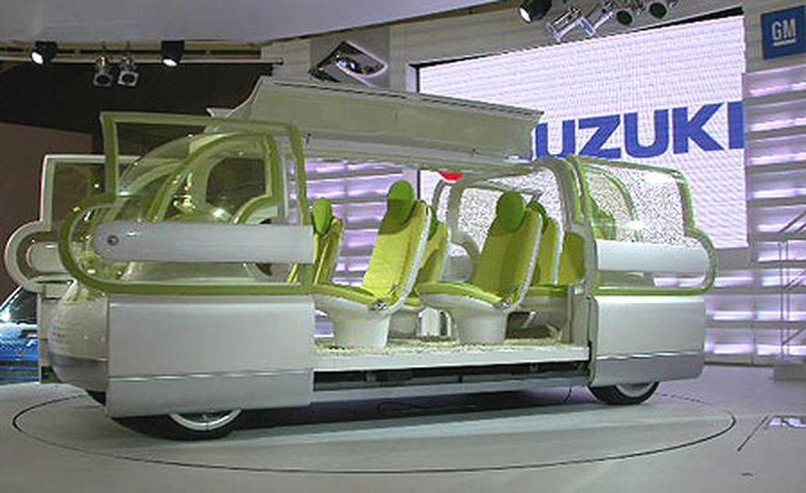 Nissan Jikoo - Slide 3