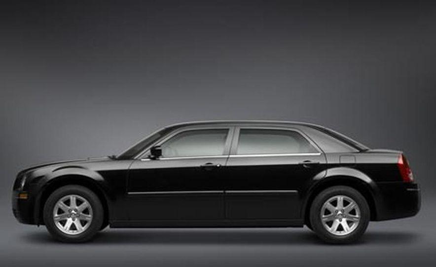 2007 Chrysler 300C long wheelbase - Slide 1