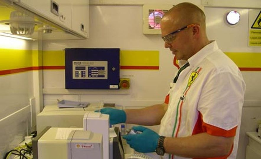Inside the Shell F1 Fuel Lab - Slide 1