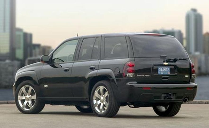 2007 Chevrolet Trailblazer SS - Slide 1