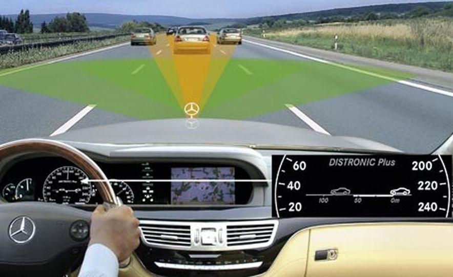 Infinti Lane Departure Warning System illustration - Slide 5