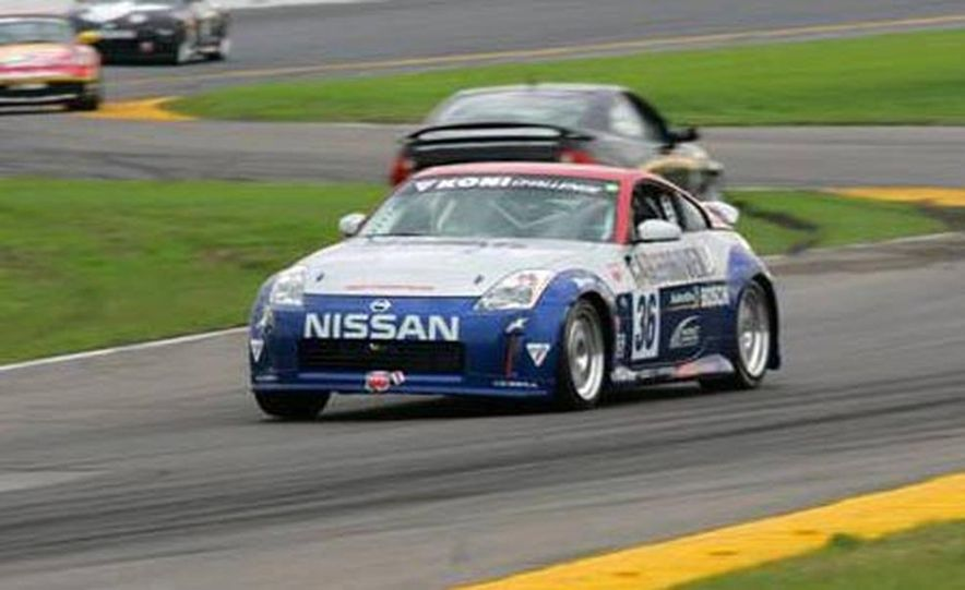 The 350Z in brief glory at Daytona before its fateful motor explosion. - Slide 1