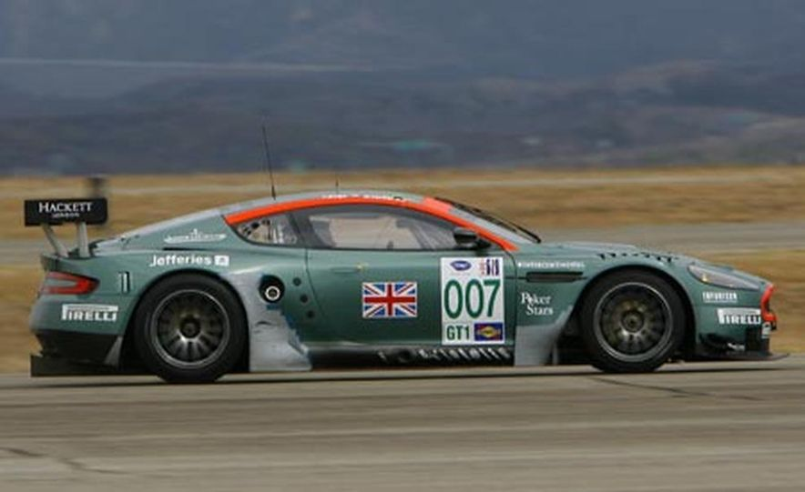 Aston Martin DBR9 - Slide 2