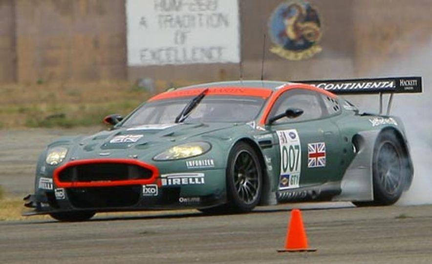 Aston Martin DBR9 - Slide 3