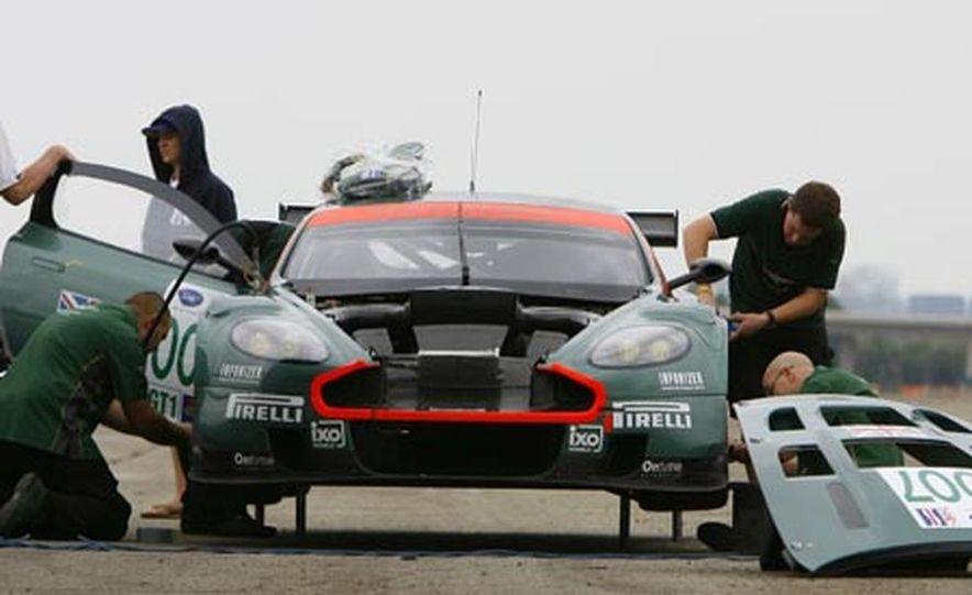 Aston Martin DBR9 - Slide 12
