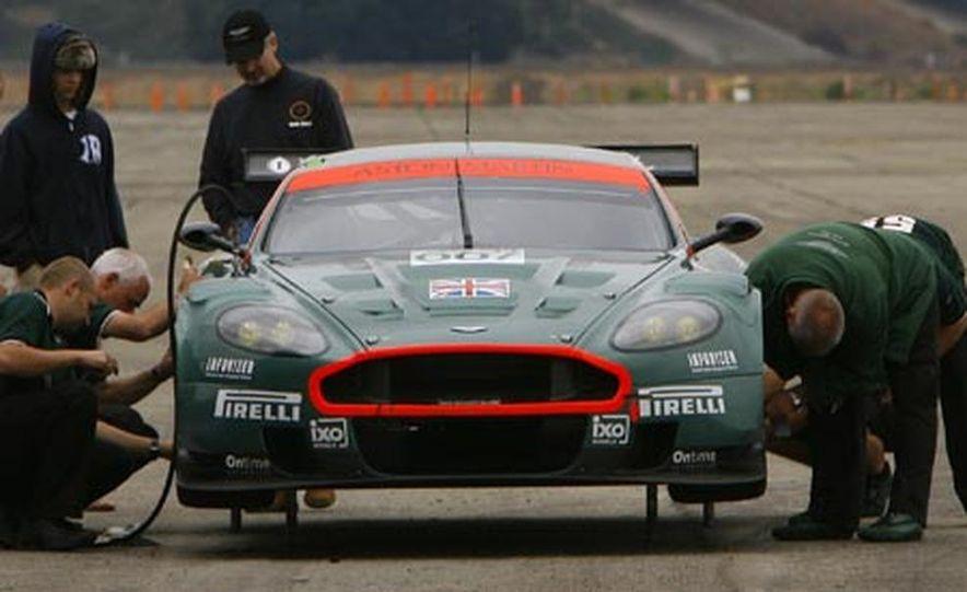 Aston Martin DBR9 - Slide 13