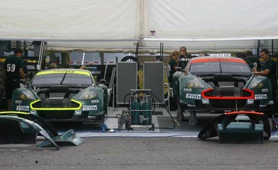 Aston Martin DBR9 - Slide 19
