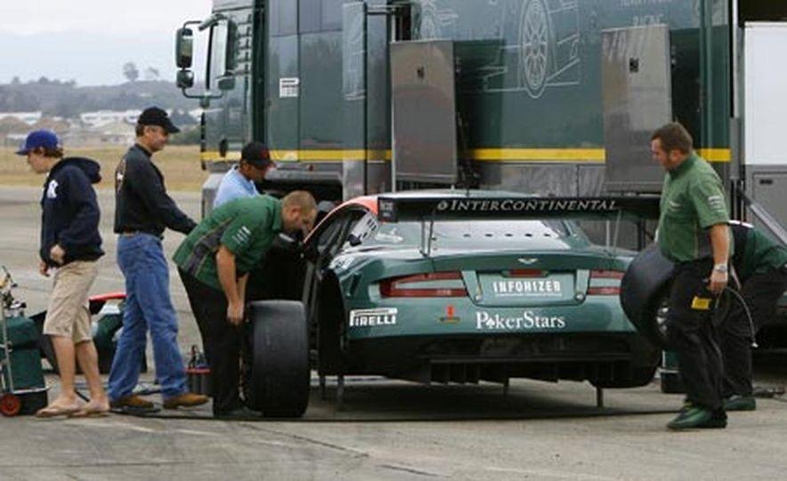 Aston Martin DBR9 - Slide 14