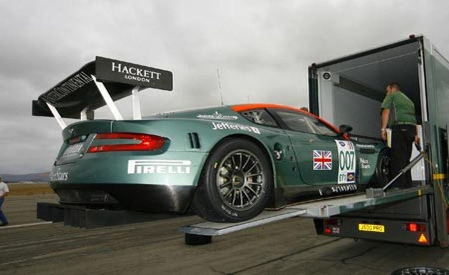 Aston Martin DBR9 - Slide 15