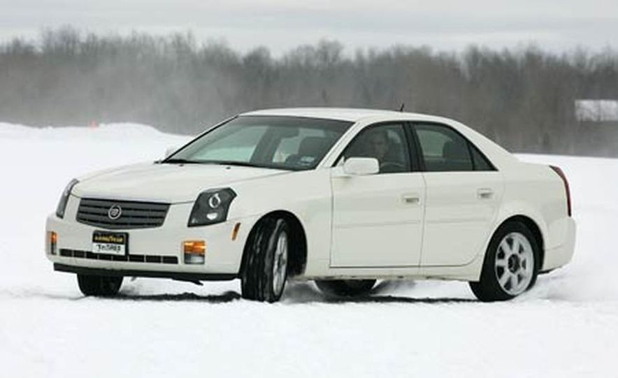 Cadillac CTS during snow testing - Slide 3