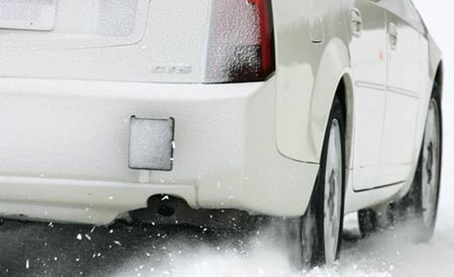 Cadillac CTS during snow testing - Slide 4