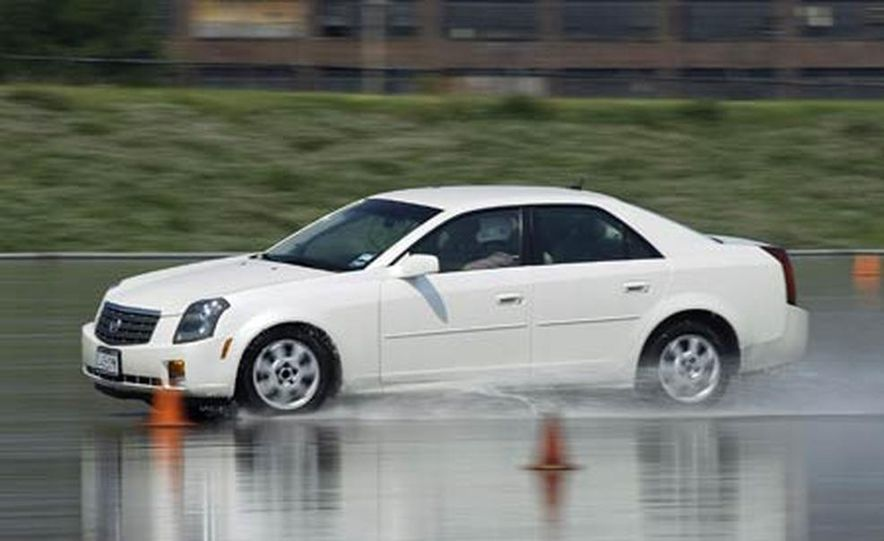 Cadillac CTS during snow testing - Slide 13