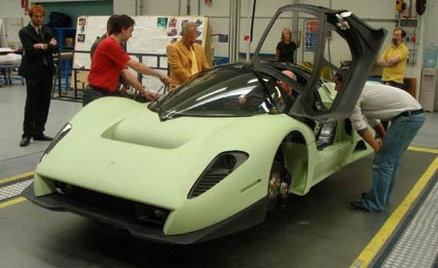 Pininfarina Ferrari P4-5 - Slide 22