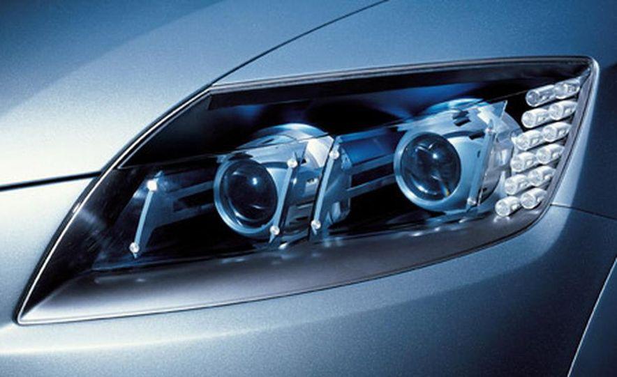 Audi Pikes Peak Quattro Concept preproduction sketch - Slide 11