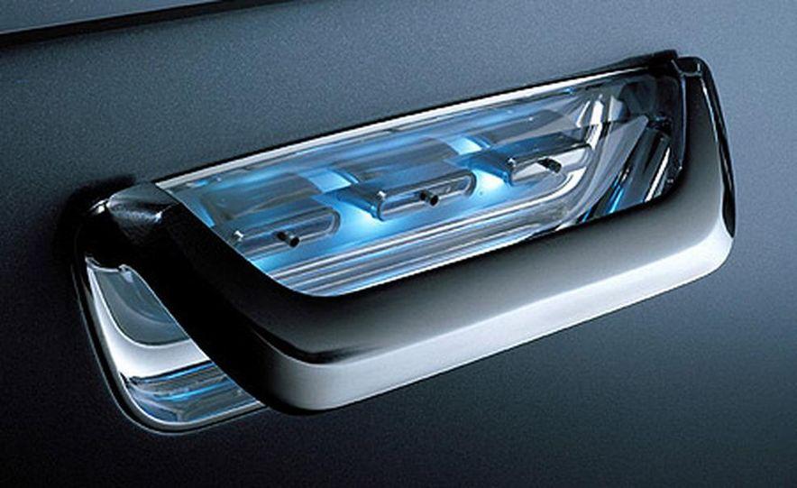 Audi Pikes Peak Quattro Concept preproduction sketch - Slide 12