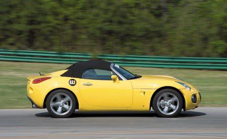 LL1: 2007 Pontiac Solstice GXP