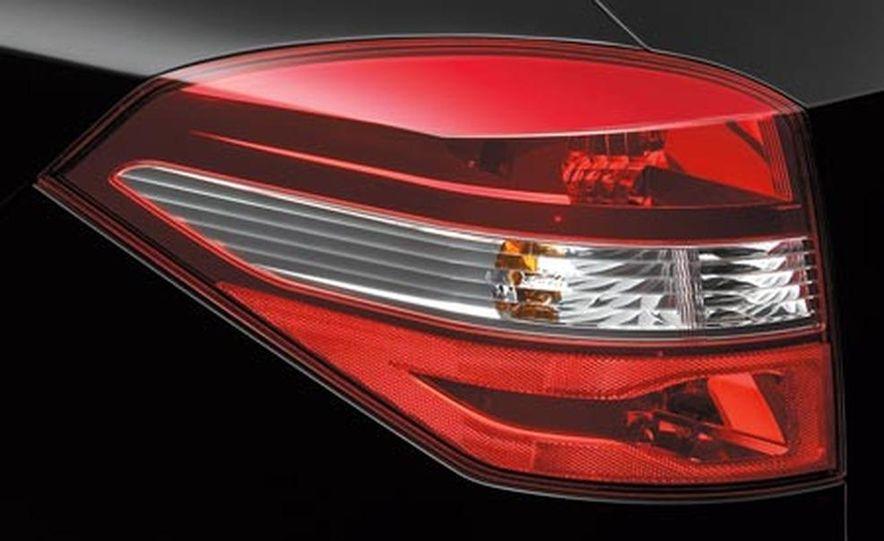 2008 Renault Laguna saloon - Slide 28
