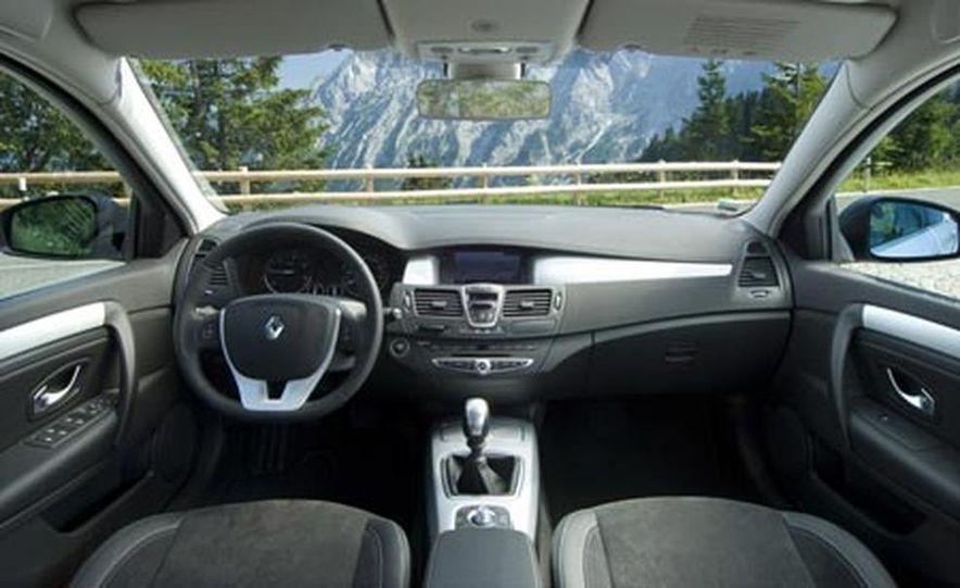 2008 Renault Laguna saloon - Slide 31
