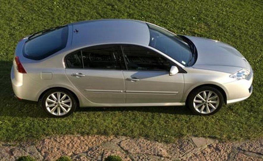 2008 Renault Laguna saloon - Slide 16