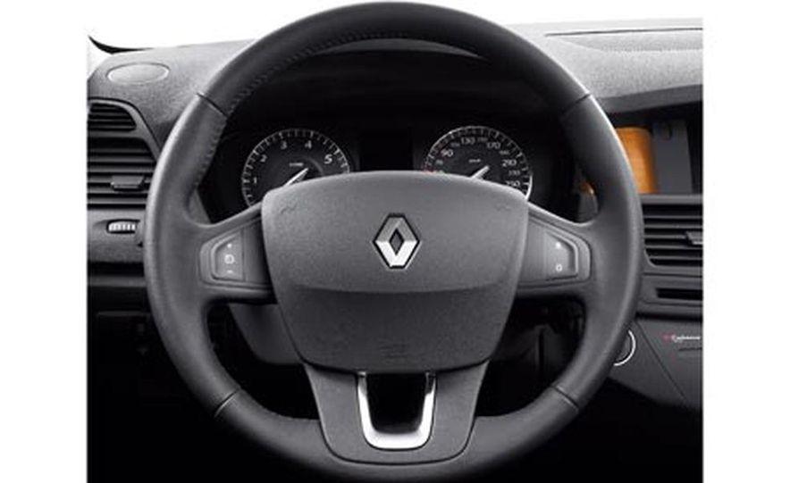 2008 Renault Laguna saloon - Slide 36