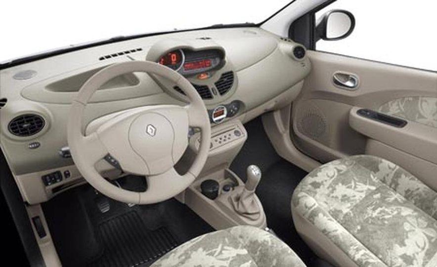 2008 Renault Twingo - Slide 15
