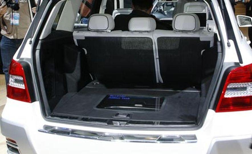 Mercedes-Benz Vision GLK Freeside Concept - Slide 1