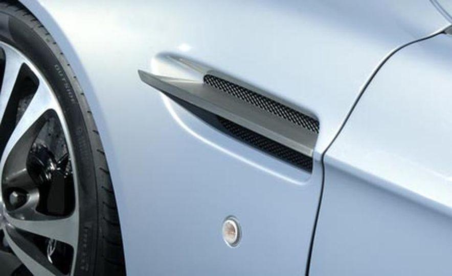 Aston Martin V12 Vantage RS concept - Slide 12
