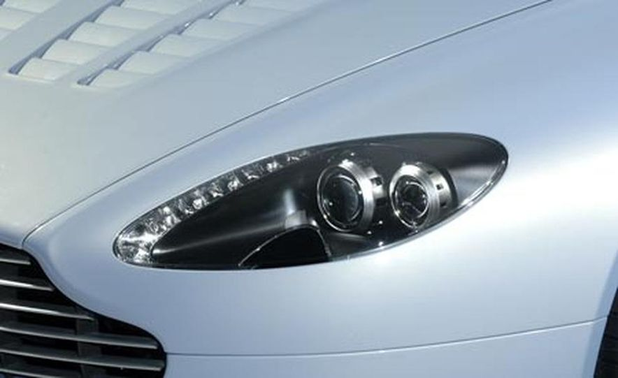 Aston Martin V12 Vantage RS concept - Slide 13
