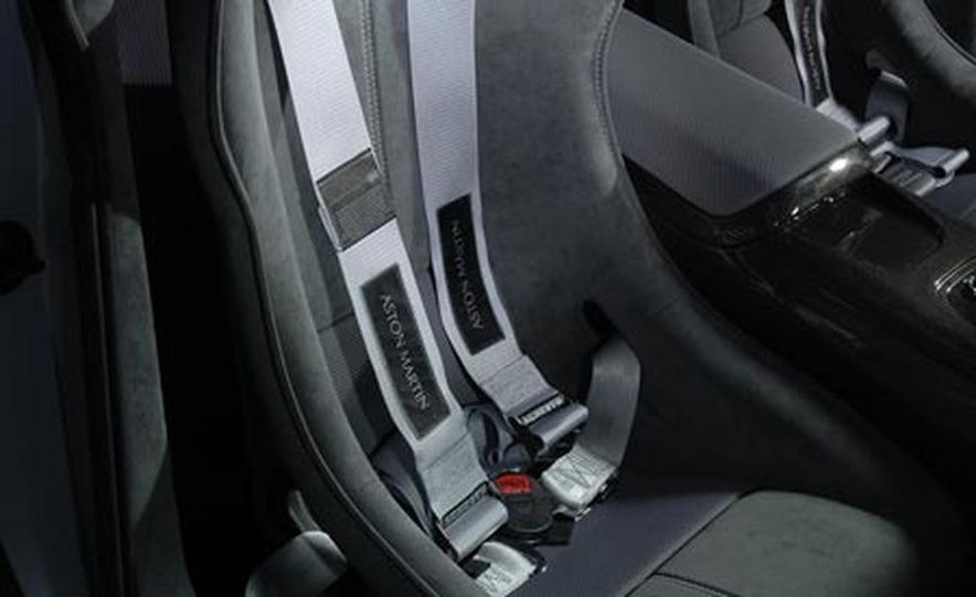 Aston Martin V12 Vantage RS concept - Slide 15