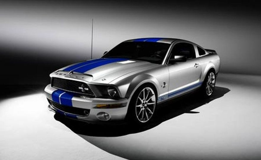 2009 Ford Mustang with glass roof option - Slide 18