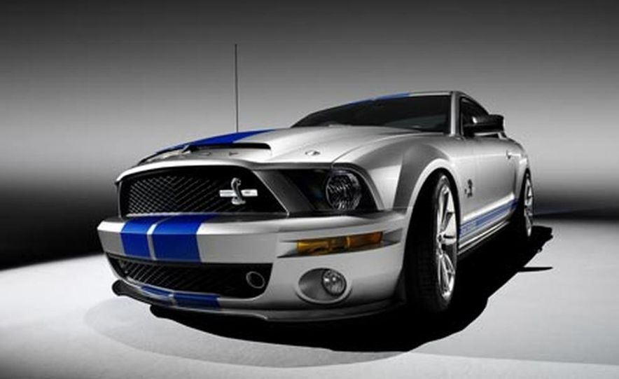2009 Ford Mustang with glass roof option - Slide 20