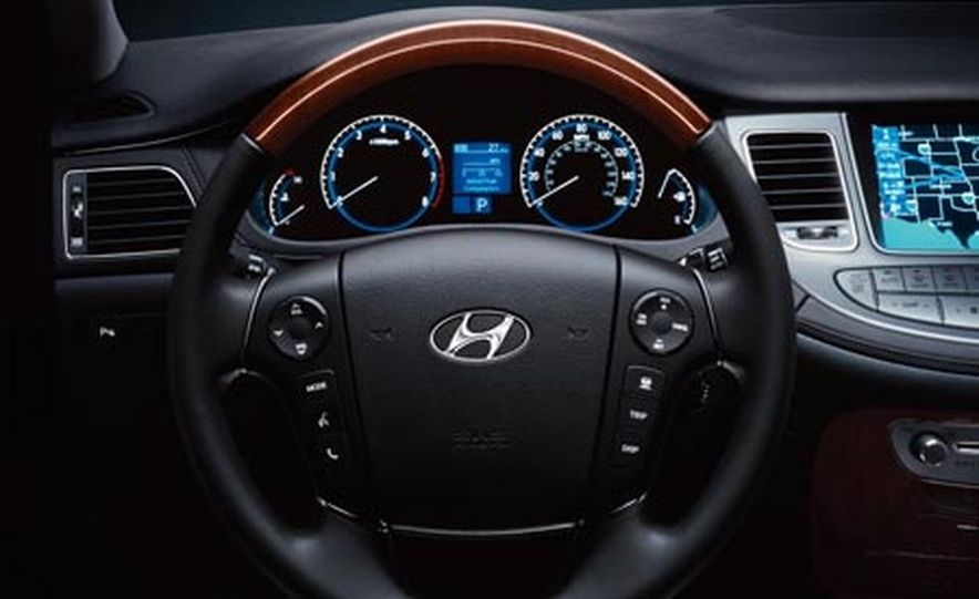 2009 Hyundai Genesis - Slide 17