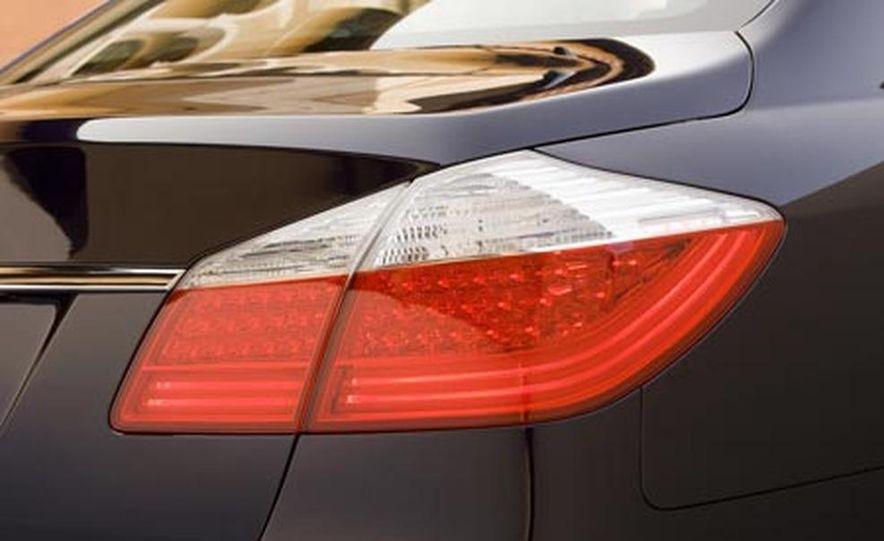 2009 Hyundai Genesis - Slide 23