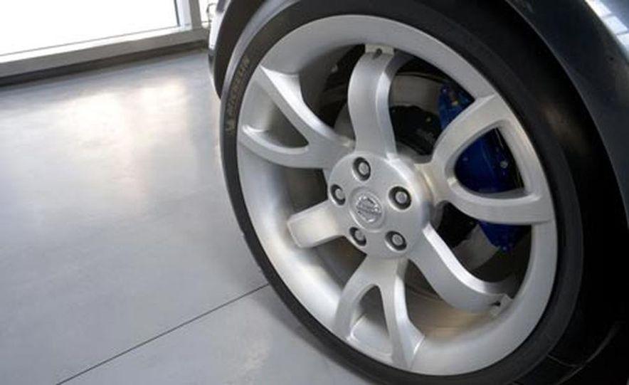 Nissan Urge concept - Slide 9