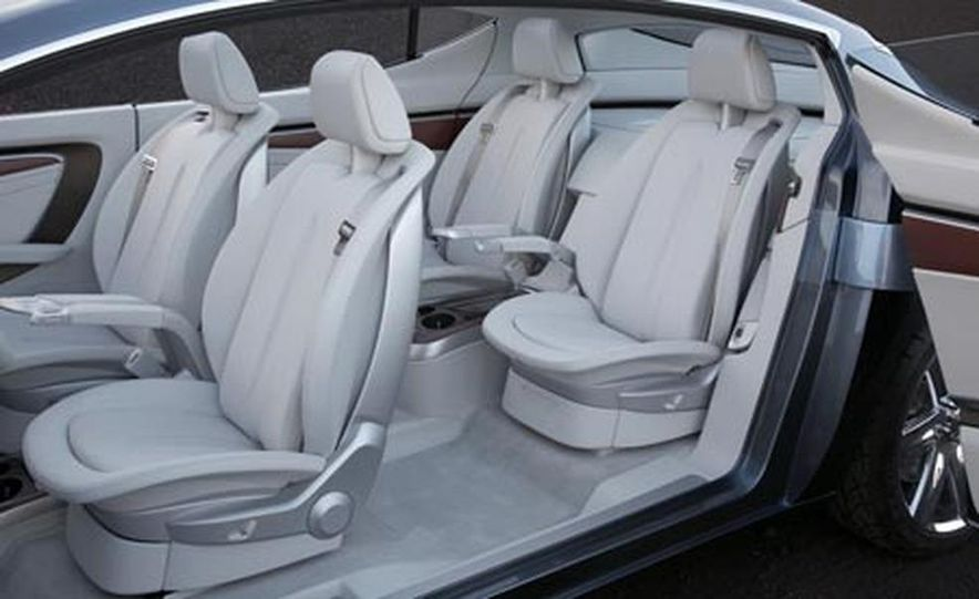 Chrysler ecoVoyager concept - Slide 13