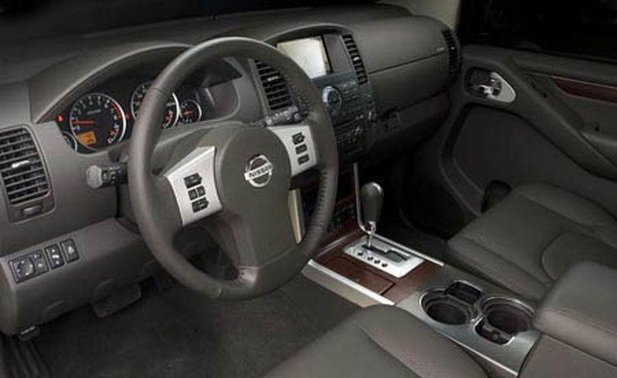 2008 Nissan Pathfinder - Slide 17