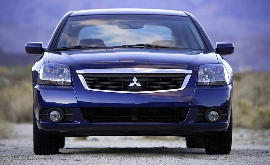 2009 Mitsubishi Galant - Slide 3