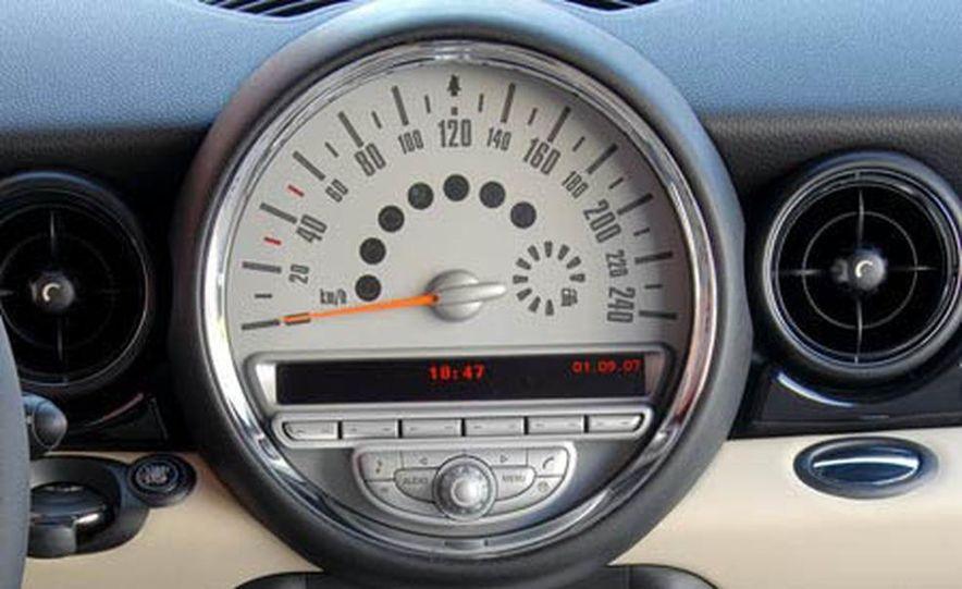 2008 Mini Cooper S Clubman - Slide 17