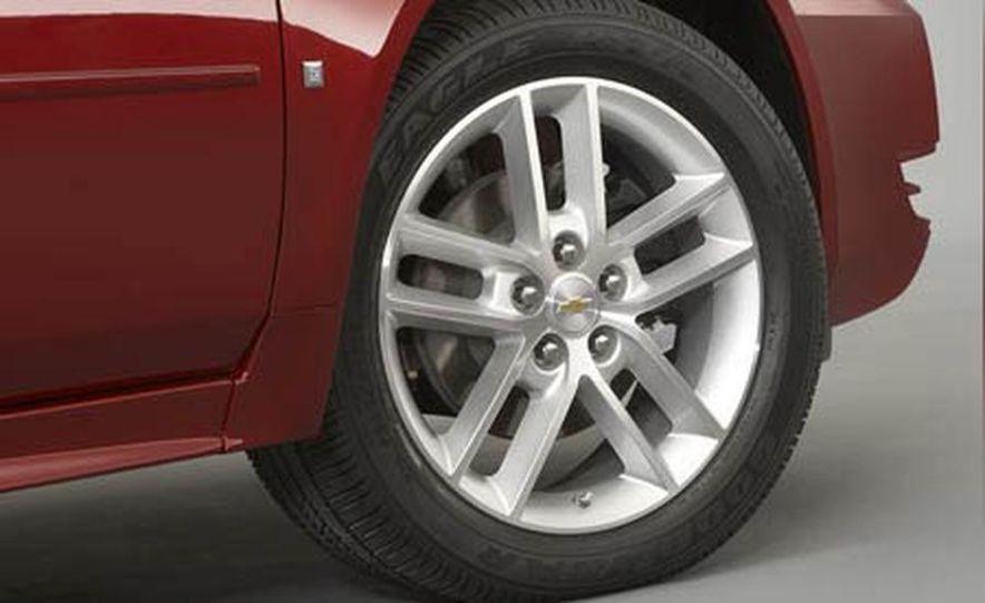 2009 Cadillac Escalade Platinum interior - Slide 28