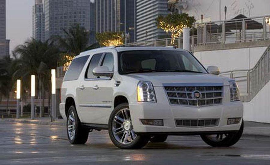 2009 Cadillac Escalade Platinum interior - Slide 20