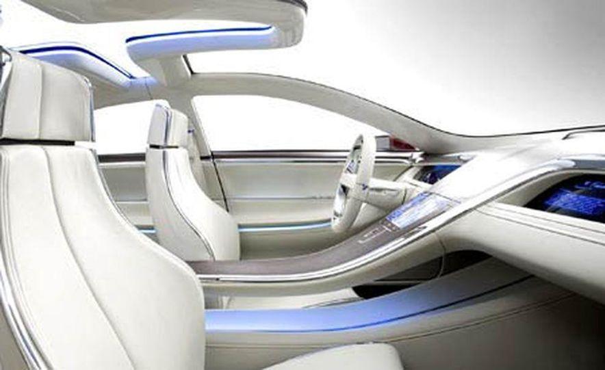 Lincoln MKR concept - Slide 8