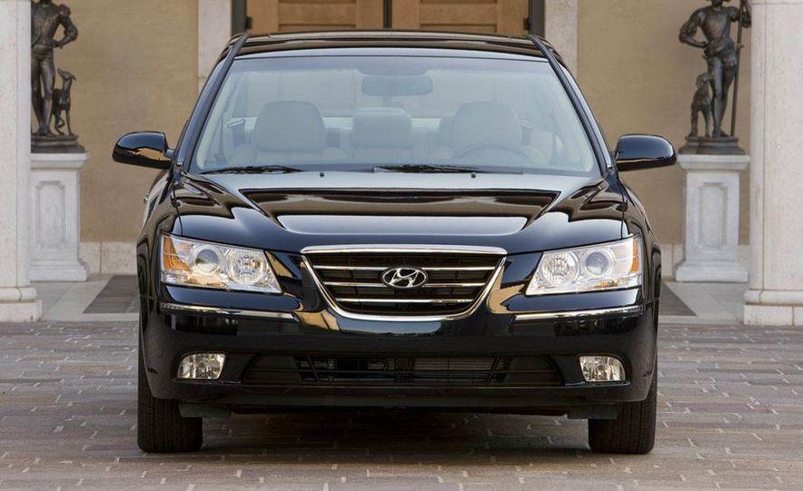 2009 Hyundai Sonata - Slide 5