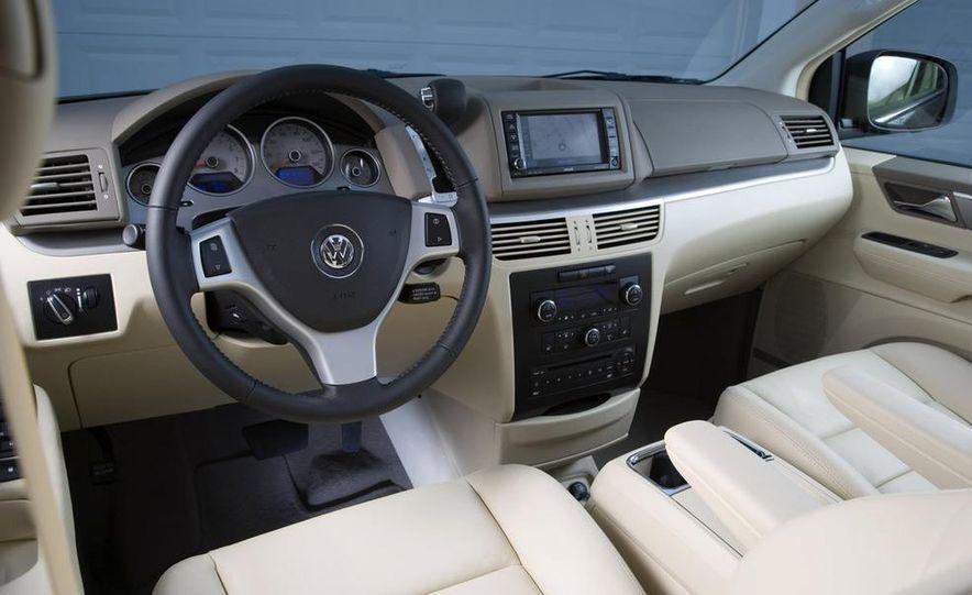 2009 Volkswagen Routan - Slide 11