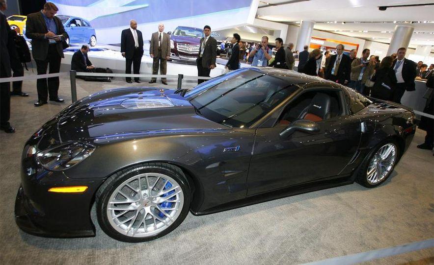 2009 Chevrolet Corvette ZR1 - Slide 4