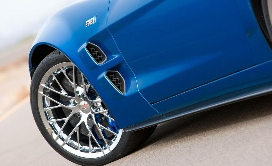2009 Chevrolet Corvette ZR1 - Slide 10