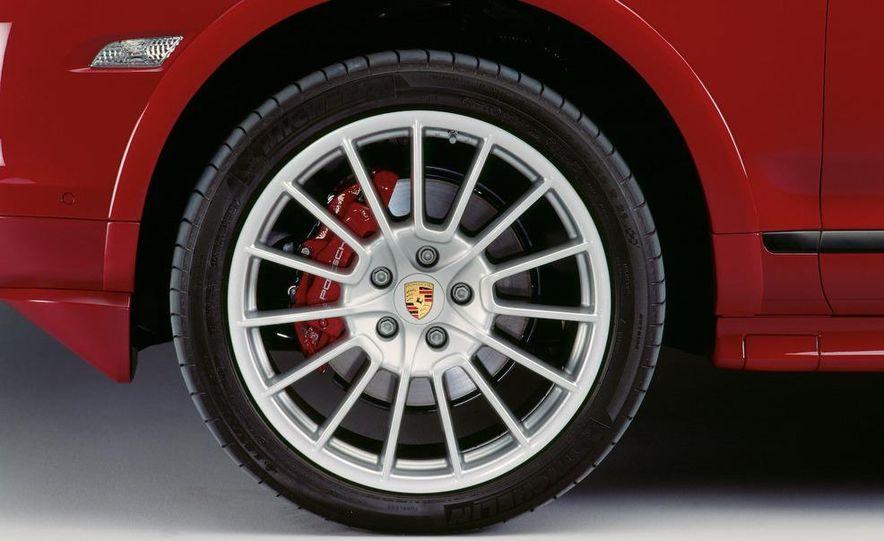 2009 Porsche Cayenne GTS wheel - Slide 9