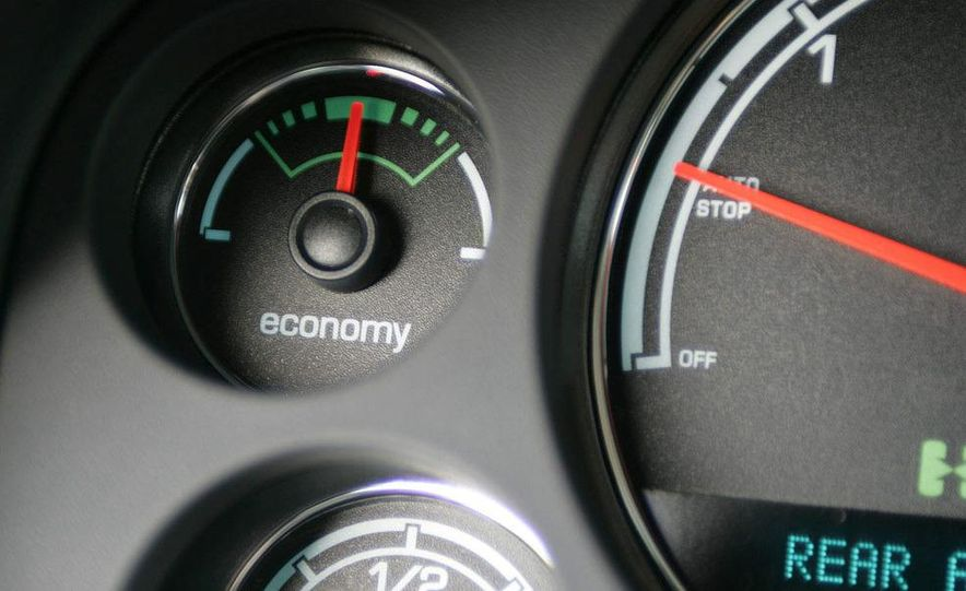 2008 Chevrolet Tahoe hybrid - Slide 12